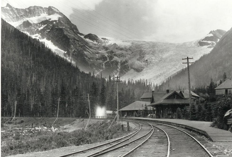 Glacier House 1900s
