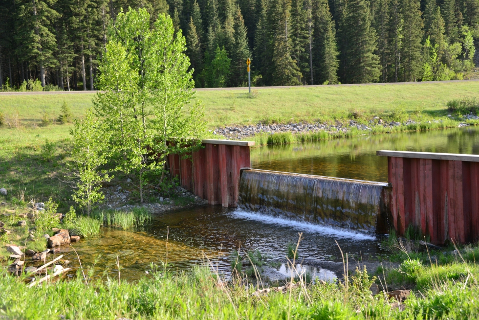 Keep the water in - Build a Dam